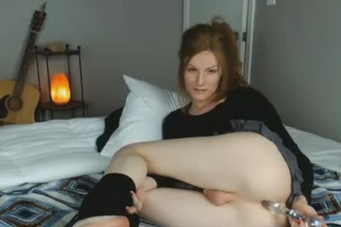 dirty tranny Pleasures Her stunning ass