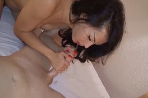 Thai Ladyboy t-girl Hooker No dong rubber pound By German Client